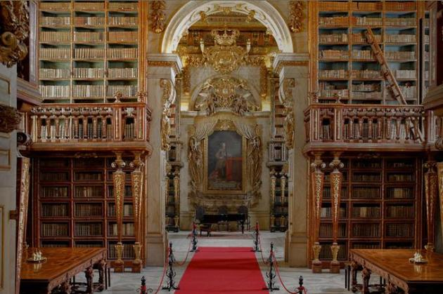 Library_of_the_Universtity_of_Coimbra (1)